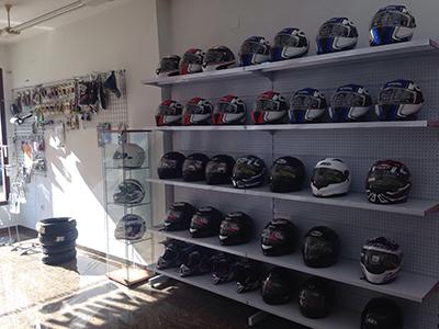 Interior tienda motos manu