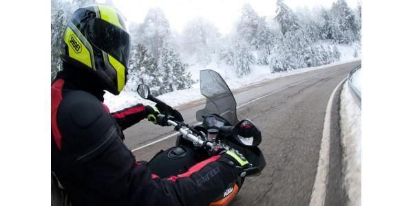 Conducir tu moto en invierno sin pasar frío