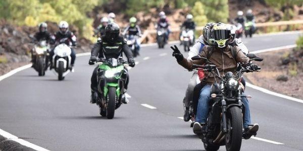 Multas que te pueden poner por ir en moto y que seguramente, desconoces