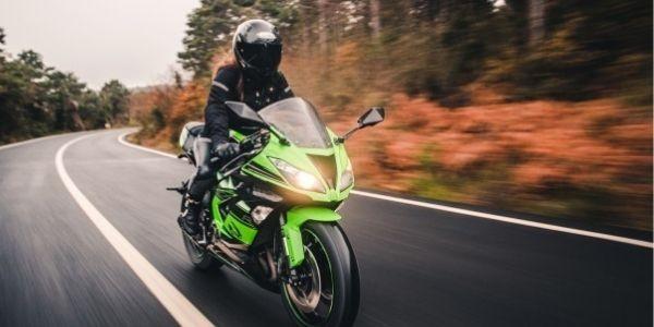 Si no sabes qué color de moto elegir, sigue leyendo...