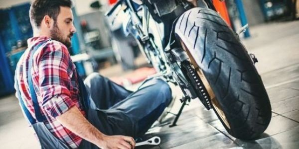 Cómo hacer una puesta a punto de tu moto, después de las vacaciones