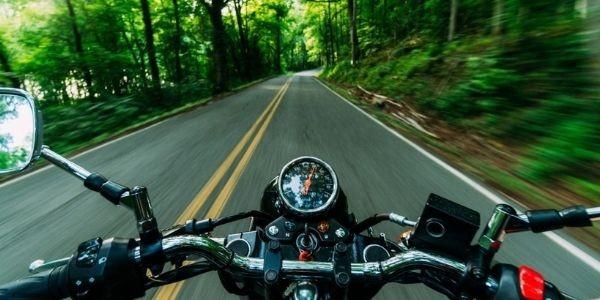 Las mejores rutas para hacer en moto, en invierno